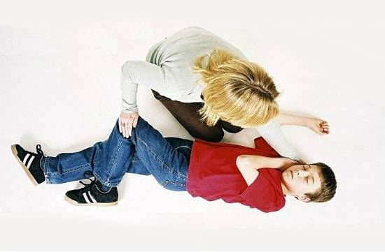как проявляется эпилепсия у взрослых симптомы и лечение