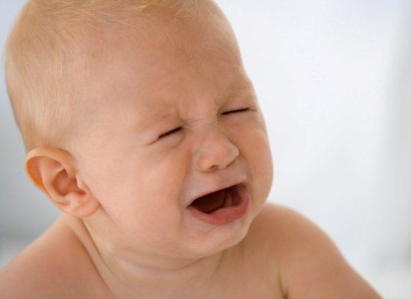 4 месяца ребенку зубы симптомы и лечение