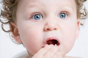 если ребенок проглотил камень симптомы и лечение