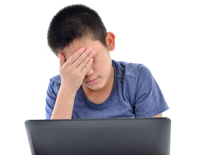 нервный вокальный тик у ребенка симптомы и лечение