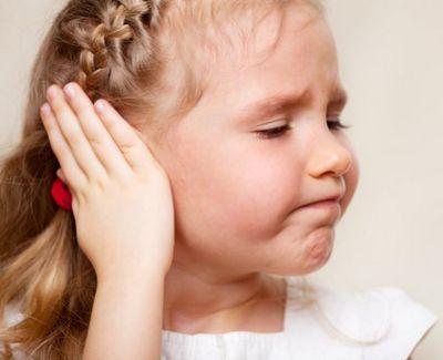 отит у 4 месячного ребенка симптомы и лечение