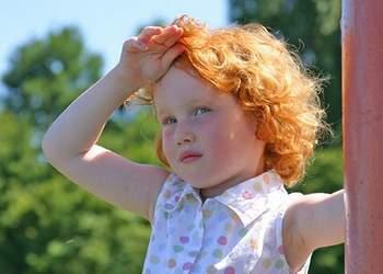 перегрев на солнце у ребенка симптомы лечение
