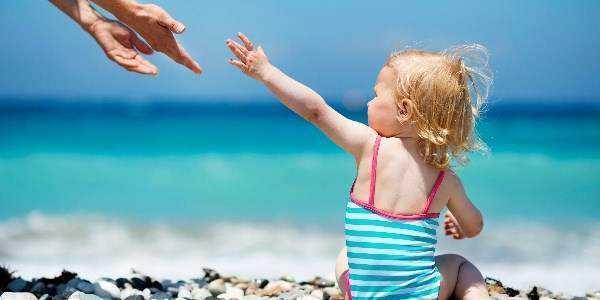 если ребенок перегрелся на солнце симптомы и лечение