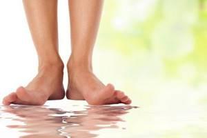 гниют ноги симптомы и лечение