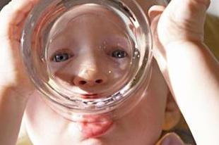 как происходит обезвоживание организма у ребенка симптомы и лечение