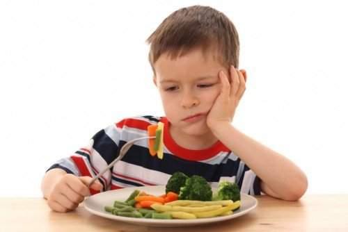 нехватка ферментов для пищеварения у ребенка симптомы и лечение