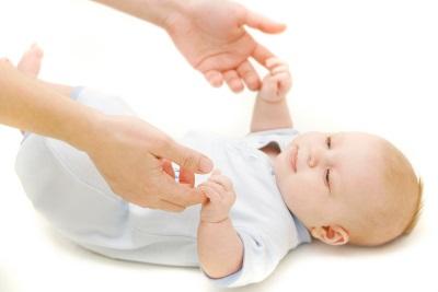рефлекс у детей симптомы и лечение