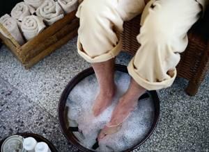шпора на пальце ноги симптомы и лечение