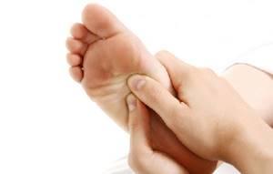 шпоры на ногах симптомы и лечение