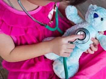 воспаление лимфоузлов в паху у ребенка мальчика симптомы и лечение